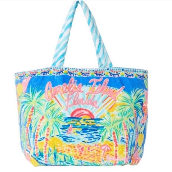 Lilly Pulitzer Handbags - Lilly Pulitzer Amelia Island Beach Tote NWT